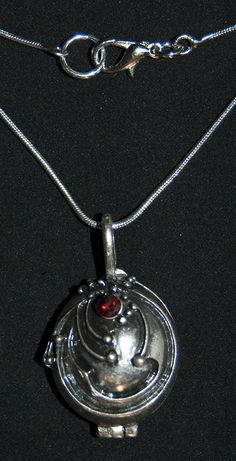 Colgante locket The vampire diaries de Pendientera.