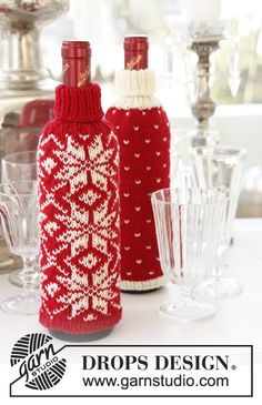 "Knitted DROPS Christmas bottle covers in ""Fabel"" with Norwegian pattern. ~ DROPS Design"