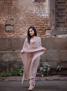 Best Trendy Outfits Part 7 Pakistani Dresses, Indian Dresses, Indian Outfits, Stylish Dresses, Trendy Outfits, Fashion Dresses, Women's Fashion, Dress Outfits, Summer Outfits