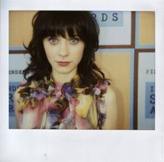 zooey deschanel oh why can't my hair look like this! Zooey Deschanel, Pretty People, Beautiful People, Gorgeous Women, Beautiful Things, Photo Polaroid, Celebs, Celebrities, New Girl