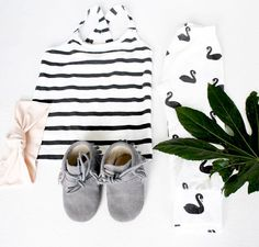 Cute little flatlay feat. our Swan leggings #GOTScertifiedorganic #deerone