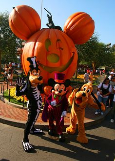 Walt Disney World in the Fall, The Mickey's Not So Scary Halloween Party a must do.