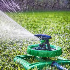 #1. Sturdy Sprinklers Water Entire Garden and Lawn Without Oscillating Systems Waste