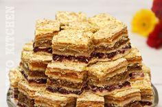 Romanian Desserts, Cake Recipes, Dessert Recipes, Health Eating, Food Cakes, Sweet Cakes, Apple Pie, Oreo, Sweet Treats