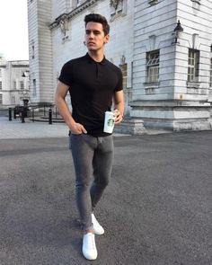 New casual mens fashion . Stylish Mens Outfits, Casual Outfits, Casual Jeans, Men Casual, Grey Jeans, Casual Menswear, Smart Casual, Best Mens Fashion, Shoes With Jeans