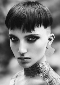 large earrings and pixie haicut - Black Haircut Styles Character Inspiration, Hair Inspiration, Short Hair Cuts, Short Hair Styles, Short Pixie, Kopf Tattoo, Black Haircut Styles, Waterfall Hairstyle, Updo Hairstyle