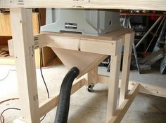Tablesaw Dust Collection on the Ultimate Tool Stand / Workbench by GeeksGoneBad