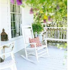 This is what a perfect porch looks like. Low Country, Country Life, Life Run, Relaxing Places, Hilton Head Island, Coastal Style, Porch Swing, Outdoor Furniture, Outdoor Decor