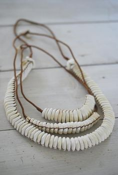 LOVE WARRIORS - SHELL NECKLACE - SMALL