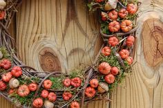 Fall Wreath / Autumn Pumpkin Wreath / Rustic Wreath / Halloween Putka Pod Acorn Wreath by on Etsy Diy Fall Wreath, Autumn Wreaths, Fall Diy, Acorn Wreath, Pumpkin Wreath, Moss Wreath, Grapevine Wreath, Mini Pumpkins, Fall Pumpkins