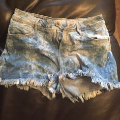 High- Rise Shorts Wore sometimes, but can no longer fit. Firm on price PacSun Jeans