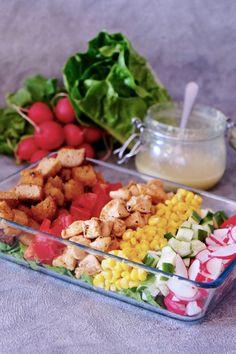Lekka sałatka z kurczakiem i warzywami to moja propozycja na letni obiad lub kolację. W ramach konkursu Bonduelle postanowiłam pokazać Wam ten przepis. Pasta Salad, Cobb Salad, Fried Rice, Food And Drink, Health Fitness, Tasty, Lunch, Chicken, Vegetables
