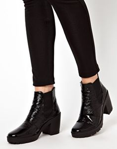 Image 3 of ASOS ABSOLUTE Chelsea Ankle Boots