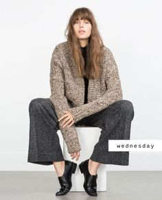 Discover the new ZARA collection online. The latest trends for Woman, Man, Kids and next season's ad campaigns. Skinny Fashion, Love Fashion, Fashion Outfits, Fashion Trends, Oversized Cardigan, Female Models, Women Models, Passion For Fashion, Autumn Winter Fashion