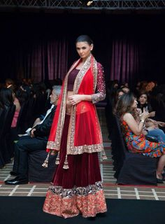 Latest Dubai 2013 Manish Malhotra lengha