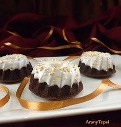 AranyTepsi: Banános ünnepi minikuglófok Ring Cake, Savarin, Cake Cookies, Scones, Cheesecake, Bakery, Muffin, Food And Drink, Sweets