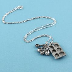 baker's necklace