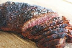 How to roast tri-tip in the oven - a step-by-step tutorial with photographs and suggestions for seasonings. Tri Tip Oven, Tri Tip Grill, Tri Tip Rub, Bbq Grill, Oven Roasted Tri Tip, Sirloin Tip Steak, Sirloin Roast, Roast Beef, Beef Loin Tri Tip Roast Recipe
