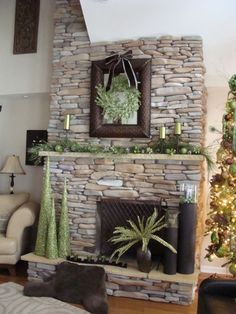 You'll dream of a green and white Christmas with these ideas in all shades of green, pure white, and red that dress up your holiday house in style!