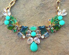 pinkandgreenlivingthedream:  Jcrew statement necklace