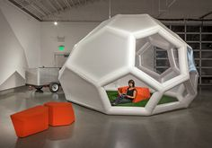 min|day's contribution to truck-a-tecture: transformable structures for nomadic living