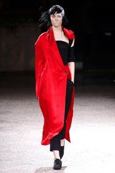 Yohji Yamamoto   Ready-to-Wear Spring 2017   Look 29