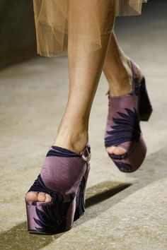 A detailed look at Dries Van Noten Spring 2016