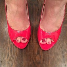 Never Worn Taryn Rose Sling Back