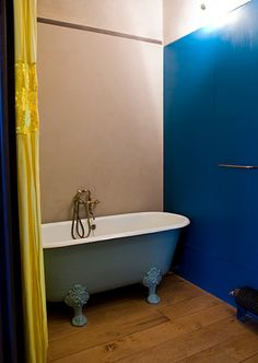beautiful color combination.... add a shower fixture and I'll love it!