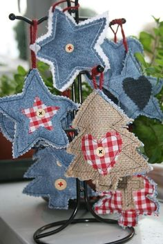 my homemade christmas decorations елочные Christmas Ornaments To Make, Christmas Sewing, Noel Christmas, Homemade Christmas, Christmas Projects, Christmas Tree Decorations, Holiday Crafts, Burlap Ornaments, Dough Ornaments