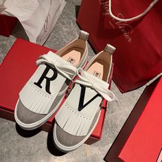 Roger Vivier Shoes, Converse, Sneakers, Fashion, Tennis, Moda, Slippers, Fashion Styles, Sneaker