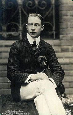 Kronprinz Wilhelm von Preussen, Crown Prince Wilhelm of Prussia, son of Kaiser Wilhelm II, with a small dog