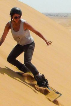 The perfect Swakopmund, Namibia adventure activities: sand boarding followed by skydiving, all in the same day! Read more about who to go with and prices.