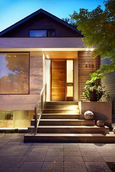 I post Interior Design & Exterior Architecture. Transitional Fireplaces, Transitional Living Rooms, Transitional House, Transitional Lighting, Porch Steps, Front Steps, Interior Exterior, Exterior Design, Interior Design Portfolios