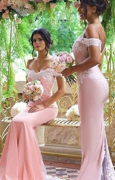Elegant Blushing Pink Bridesmaid Dress Off-the-Shoulder Long Lace Appliques Maid of Honor Dresses