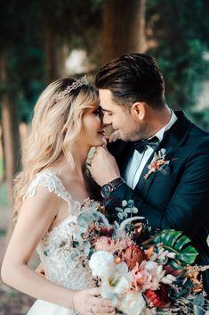 Düğün fotoğraflarının bu kadar önemli olmasının bir sebebi de adeta tarihi bir belge olmasıdır. düğün fotoğrafları, kore tarzı dış çekim, dış çekim fotoğrafları, dış çekim pozları, düğün dış çekim, kore düğün fotoğrafları, sade dış çekim pozları, kore tarzı düğün fotoğrafları, dış çekim düğün fotoğrafları, düğün fotoğrafçısı, volkan aktoprak, izmir düğün fotoğrafçısı, dış mekan düğün fotoğrafları, eğlenceli dış çekim pozları, dış çekim mekanları, düğün fotoğrafçıları, gelin damat Wedding Dresses, Fashion, Bride Dresses, Moda, Bridal Gowns, Fashion Styles, Wedding Dressses, Bridal Dresses
