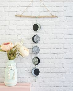 DIY: phases of the moon mobile