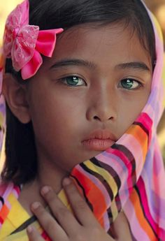 Mexico All children are beautiful but we especially enjoy the Mexican children wearing traditional clothing - for more of Mexico visit www.mainlymexican... #Mexico #Mexican #girls #children #beauty