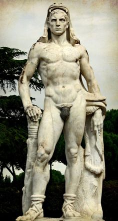 Hot Guy Hercules--don't mess with him! Amazing sculpture, like very much :-)