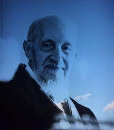 Roberto Assagioli, fondateur de la psychosynthèse, est décrit comme une figure exceptionnelle, un maître doué de simplicité, de sagesse et de respect infini pour l'être humain, d'un sens de l'humour, d'une disponibilité et d'une bonté profonde. Joie et sérénité sont les qualités les plus attribuées à Assagioli par ceux qui l'ont bien connu.