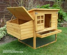 Building A DIY Chicken Coop If you've never had a flock of chickens and are considering it, then you might actually enjoy the process. It can be a lot of fun to raise chickens but good planning ahead of building your chicken coop w Mobile Chicken Coop, Portable Chicken Coop, Chicken Cages, Best Chicken Coop, Backyard Chicken Coops, Chicken Coop Plans, Building A Chicken Coop, Chicken Runs, Chickens Backyard