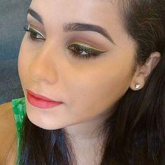 VÍDEO NOVO NO CANAL!  Temos maquiagem inspiração lá no canal, qual será a princesa escolhida da vez? Em qual princesa da Disney você acha que me inspirei?👏❤😍 O make tá super fácil de fazer, vem ver>>>https://m.youtube.com/watch?v=bl67GyN1n3c  Lista de produtos usados no blog: http://meninasmodaeetc.blogspot.com.br/2016/02/maquiagem-inspiracao-bela-e-fera.html?m=1  Link clicável no perfil do insta!  #VídeoNovo #MaquiagemInspiracao #EsfumadoMarrom #Make #Makeup #AmoMaquiar #DelineadoDuplo…