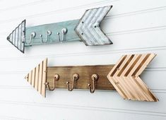 Arrow Hooks Arrow Wall Decor Arrows Wooden by PenelopeMayDecor (Diy Bathroom Hooks) Wood Arrow, Arrow Decor, Kid Bathroom Decor, Bathroom Hooks, Wall Organization, Western Decor, Jewelry Armoire, Barn Wood, Wood Crafts