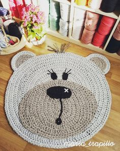 Children's rug with handmade bear-shaped trapillo. You can customize both the color and size and Crochet Ripple, Crochet Quilt, Crochet Stitches, Crochet Patterns, Crochet For Kids, Love Crochet, Animal Rug, Knit Rug, Crochet Carpet