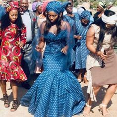 Pretty shweshwe print for a youthful modern look - Reny styles South African Wedding Dress, African Bridesmaid Dresses, Best African Dresses, African Wedding Attire, African Print Dresses, African Print Fashion, African Attire, African Fashion Dresses, African Prints