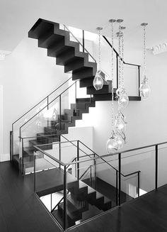 Mit meist einheitlicher Farbe und lebhafter Struktur fügt sich eine #Schiefer #Treppe stilvoll und dezent im Eingangsbereich an.  http://www.treppen-deutschland.com/schiefer-treppen-moderne-schiefer-treppen
