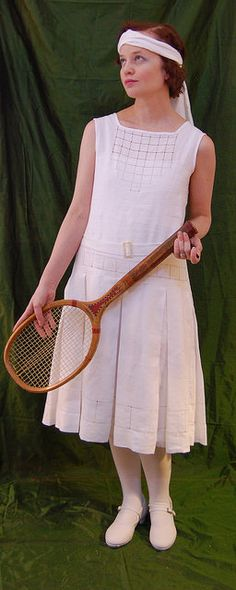 My tennis dress is loosely based on this dress at the V&A and this dress on Etsy. It's made of dress weight linen from Farmhouse . Tennis Fashion, 20s Fashion, Fashion Over, Retro Fashion, Vintage Fashion, Fashion Brands, Tennis Wear, Tennis Dress, Tennis Clothes