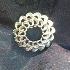 Vintage Silvertone Brooch Stunning classy and simplistic. Jewelry Brooches