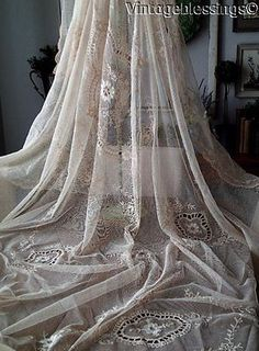 Beautiful-Antique-Tambour-Embroidered-Lace-Coverlet-98-034-x-77-034