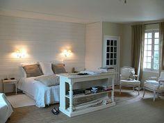Lambris bois blanc –inviter le style campagne chic à la maison ...